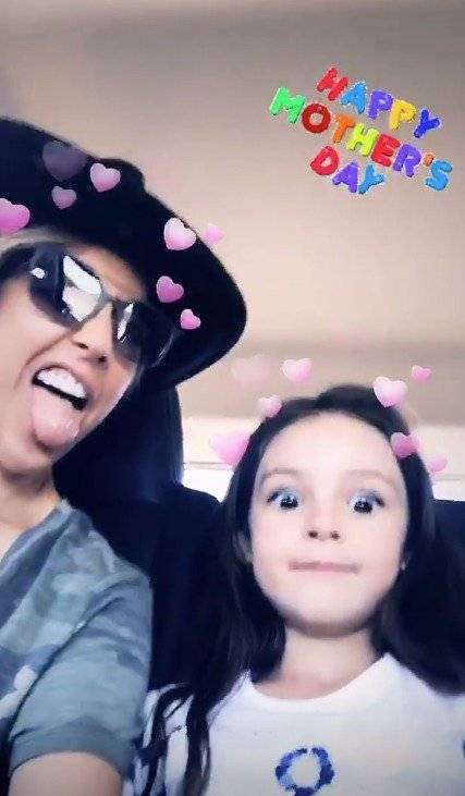 Fey y su pequeña hija Instagram