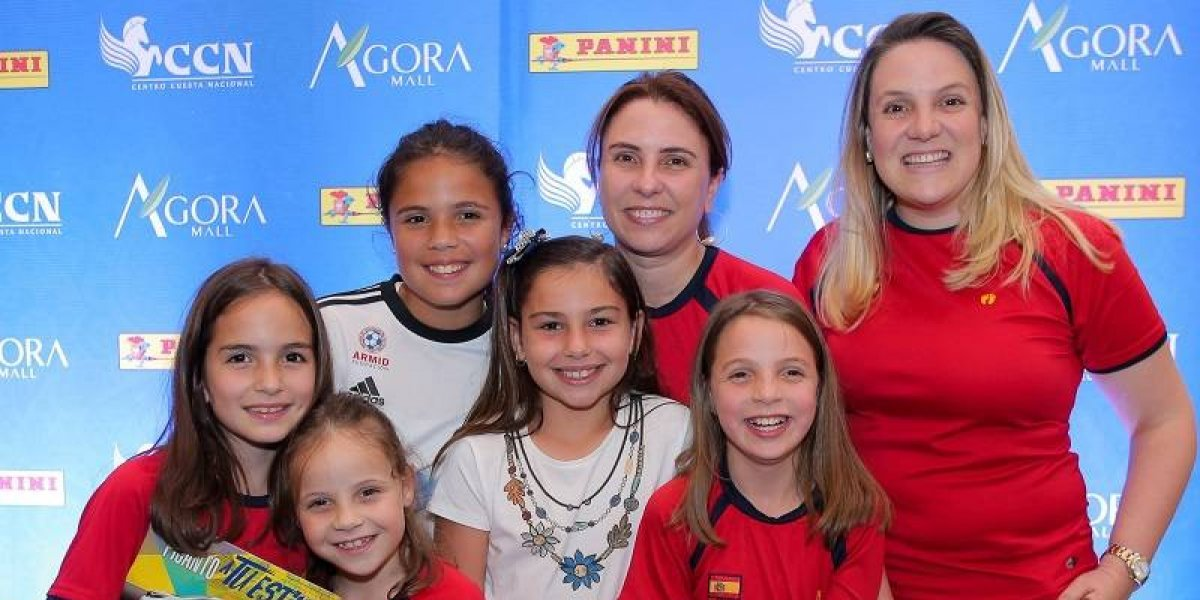 #TeVimosEn: CCN muestra álbum oficial Copa Mundial de la FIFA Rusia 2018