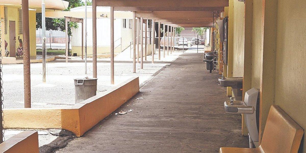 Extienden fecha de solicitudes de escuelas chárteres