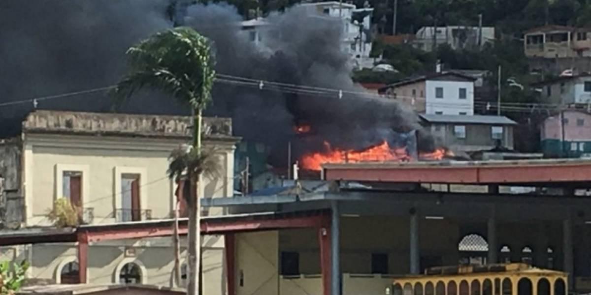 Camión de bomberos que atendió emergencia en Adjuntas tiene 24 años de servicio