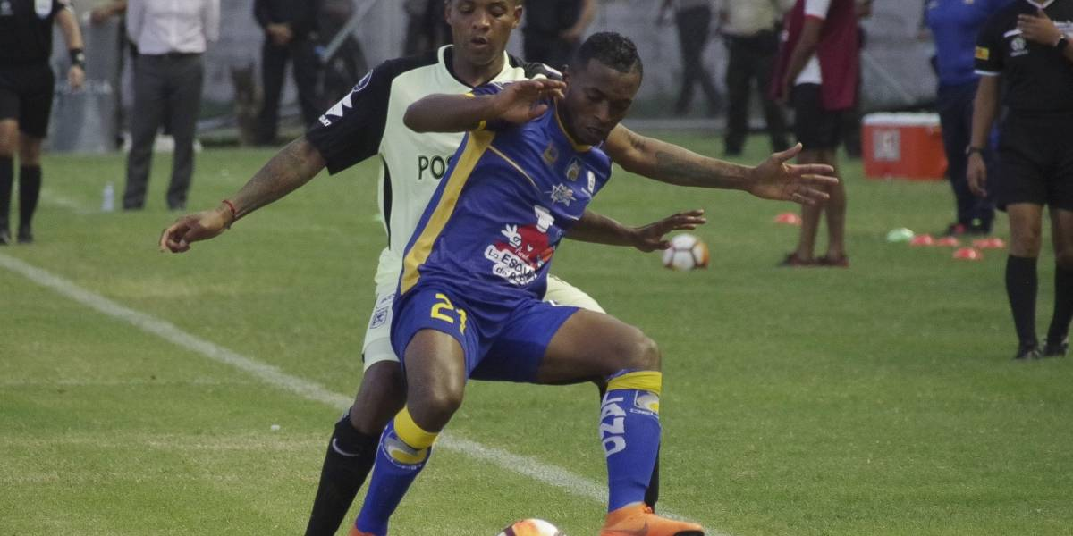 Delfín salió a flote y ahogó a Atlético Nacional en Copa Libertadores