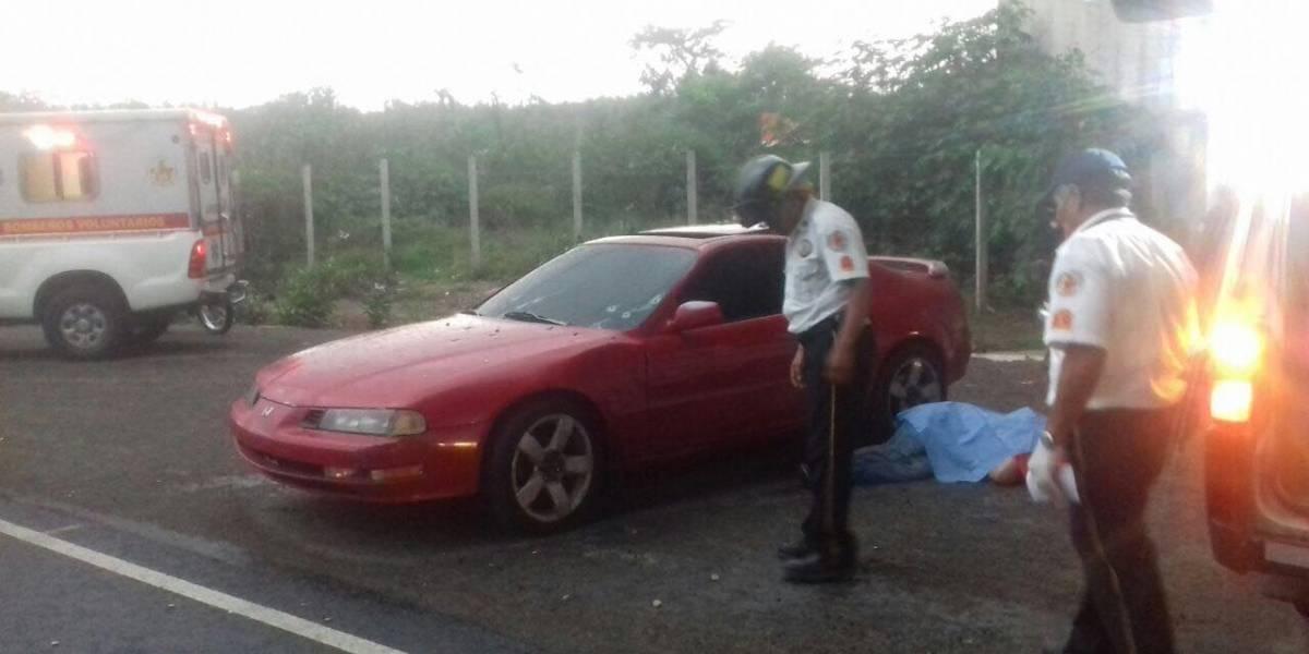 Asesinan a balazos a dos hombres en Amatitlán