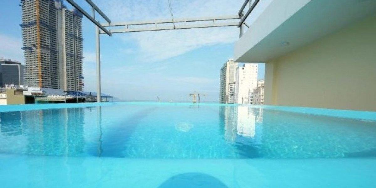No todo lo que brilla es oro: eligió el hotel para sus vacaciones por su grandiosa piscina pero se llevó la peor decepción de su vida
