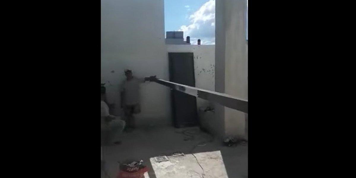Albañiles cometen un particular error durante la construcción de un edificio