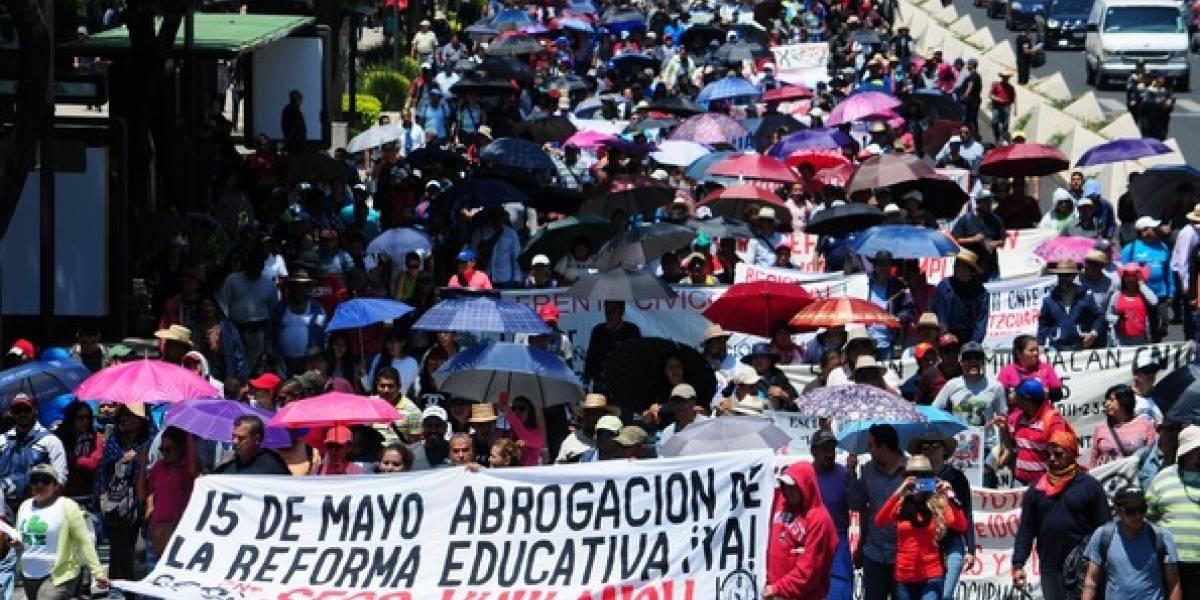 FOTOS: Miles de maestros de la CNTE marchan en contra de la reforma educativa