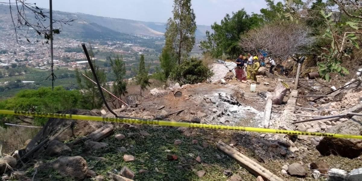 Explosión en polvorín de Atotonilco deja tres heridos graves
