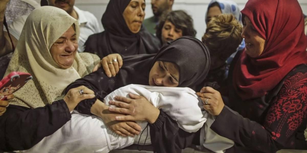 En Gaza, una familia llora la muerte de su bebé, asfixiada por gases lacrimógenos