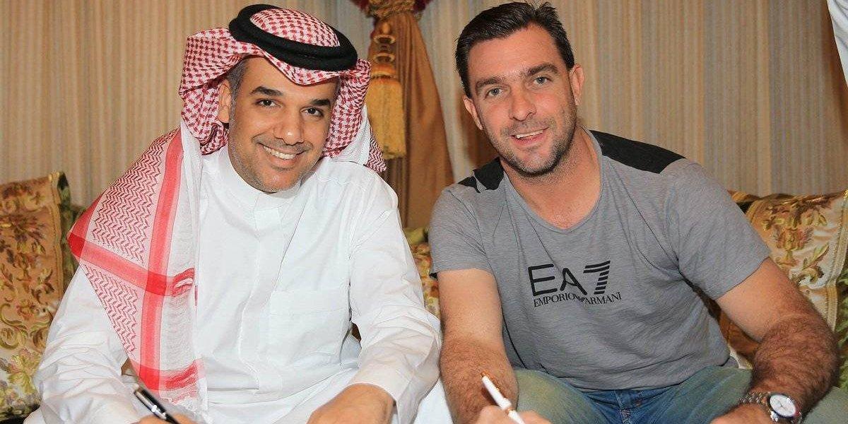 """Guede se mostró """"feliz"""" en su llegada a Arabia y está pensando en refuerzos para Al-Ahli"""