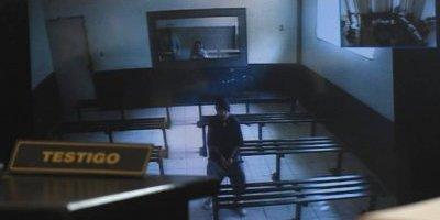 El señalado presencia el juicio por videoconferencia