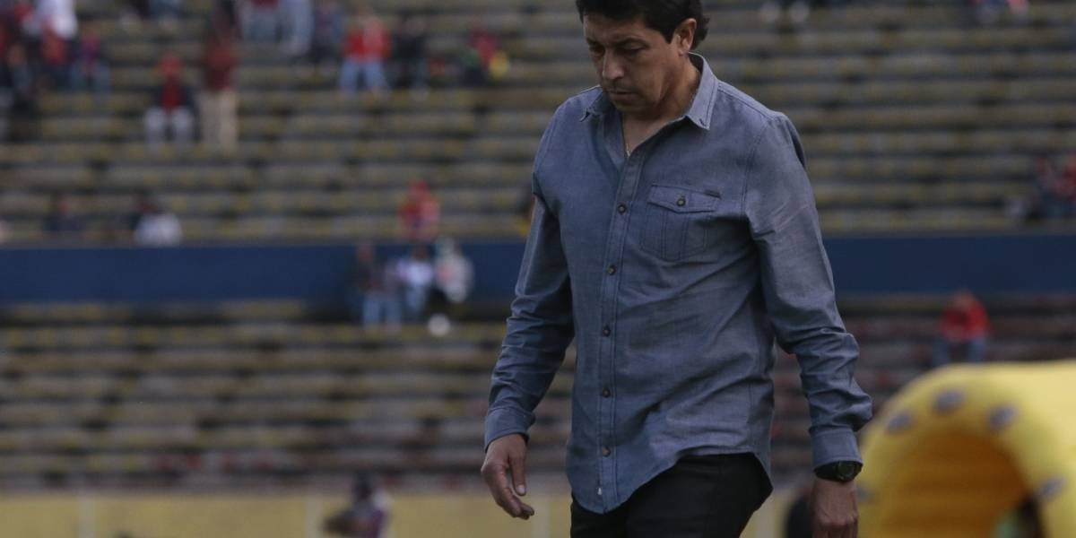 Director técnico del Macará habló sobre Hernán Barcos
