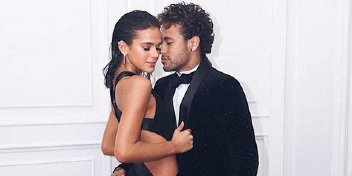 Neymar y Bruna dejan ver su lado más erótico