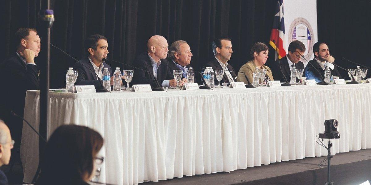 Carrión III, Matosantos, Jaresko y otros miembros de la Junta revelan sus finanzas