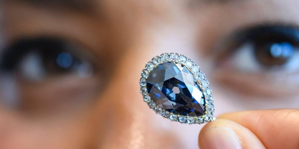 Tres diamantes se venden por 24.1 millones en subasta