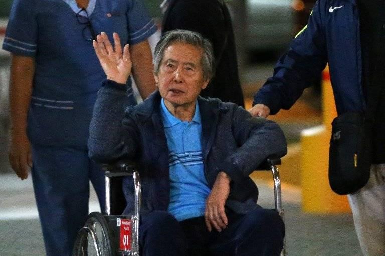 Alberto Fujimori en silla de ruedas