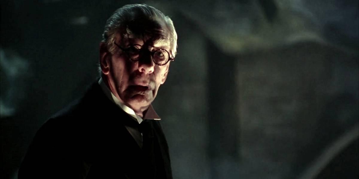 Alfred, el mayordomo de Batman, tendrá su propia serie de TV