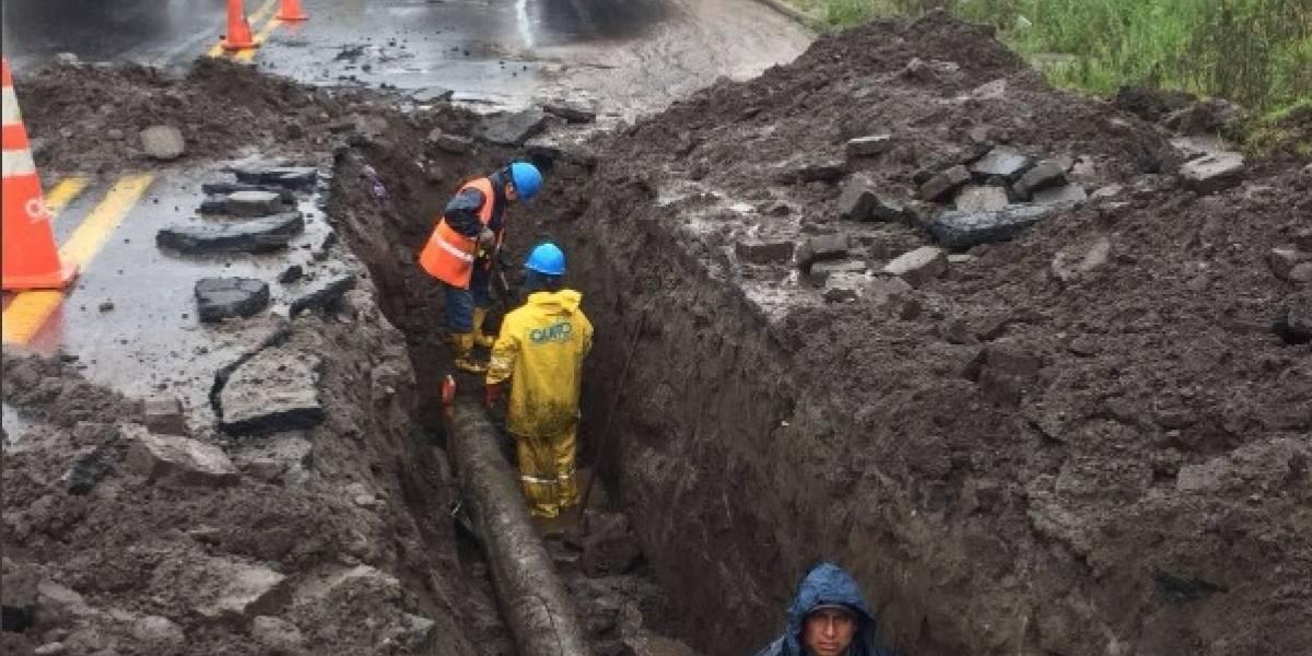 Quito: filtración de agua en el puente de la Simón Bolivar en la extensión de Carapungo