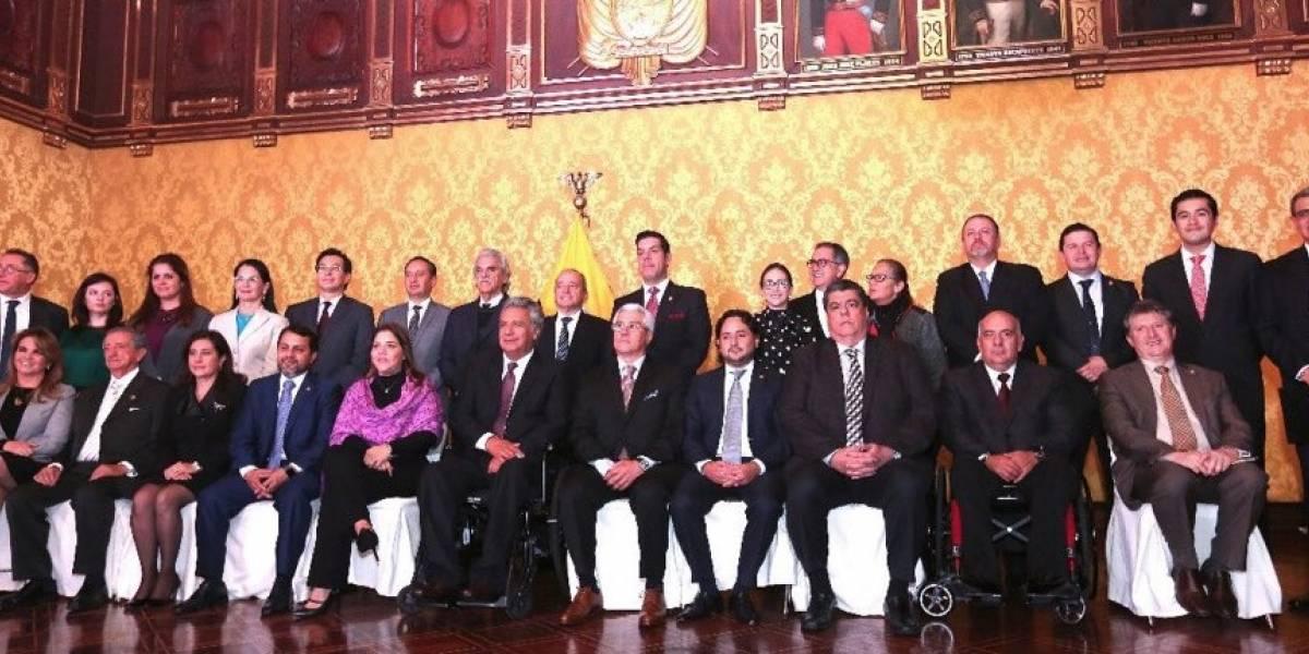 Toman posesión los nuevos integrantes del gabinete de Lenín Moreno