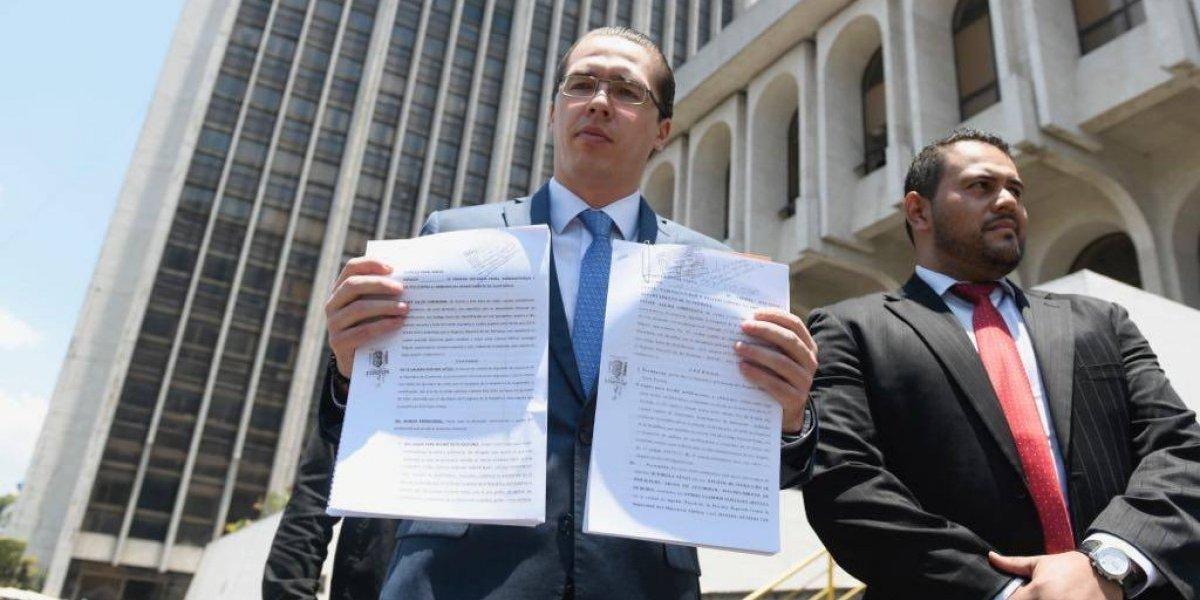 """Diputado Felipe Alejos presenta denuncias contra quienes asegura """"están violando"""" sus derechos"""