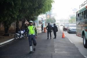 operativo de PNC para verificar motociclistas en Los Próceres