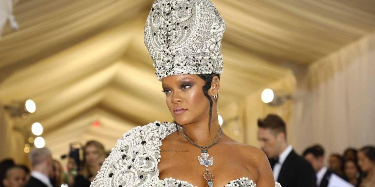 ¡Rihanna puede hacer todo! Acaba de sacar una línea de juguetes sexuales que se agotó inmediatamente