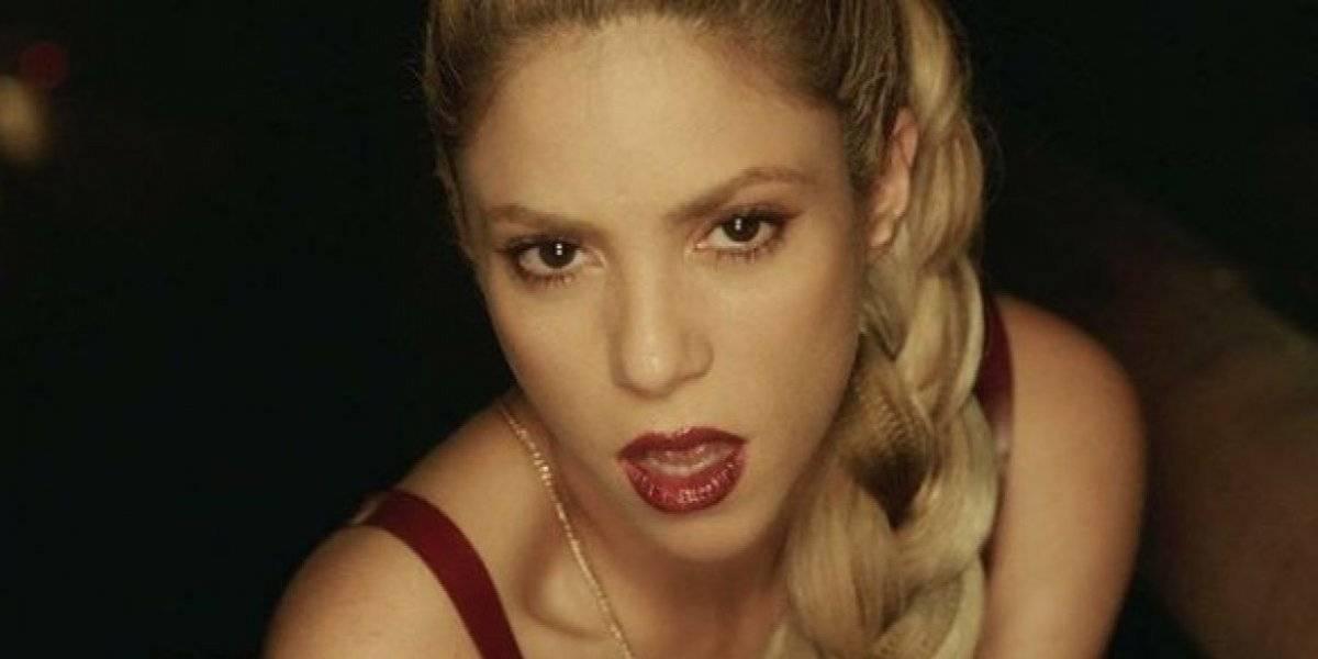 Shakira compartilha foto incrível sem maquiagem