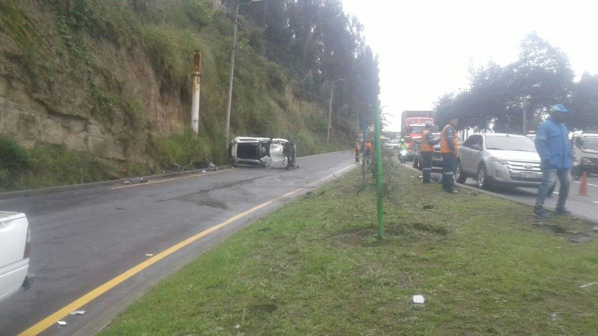 Accidente Av. Simón Bolívar ECU 911