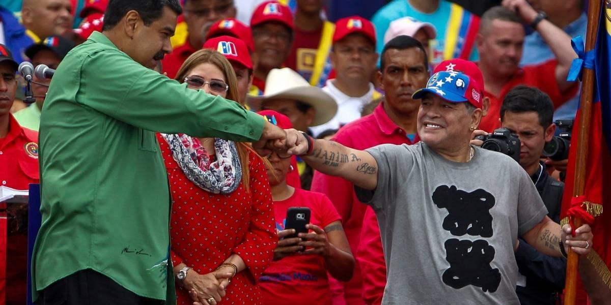 Maradona acompañó cierre de campaña de Nicolás Maduro
