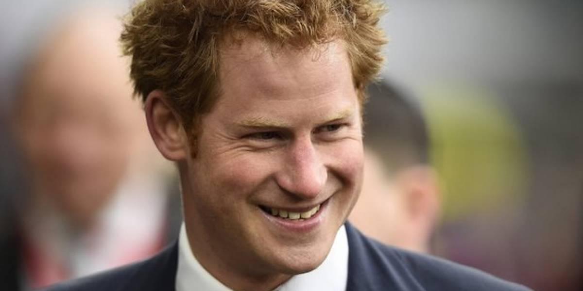 """Casamento real: como o príncipe Harry passou de """"garoto problema"""" ao trabalho com caridade"""