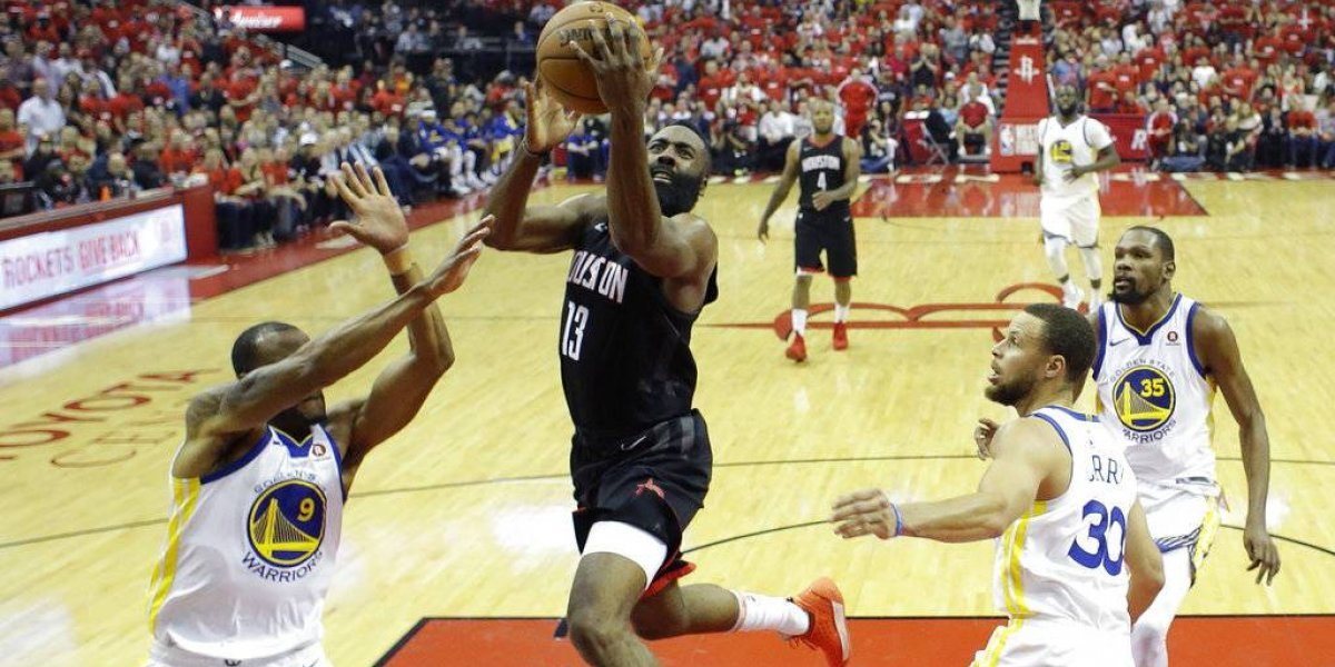 Rockets apabullan a los Warriors