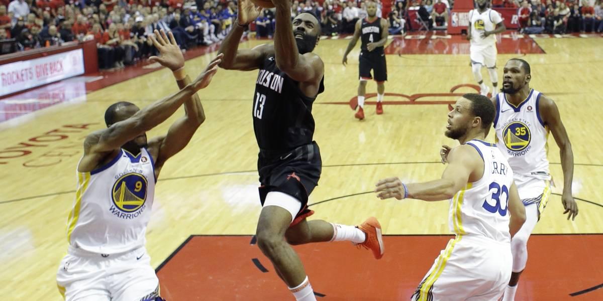 Los Rockets apabullan a Golden State y emparejan final del Oeste en la NBA