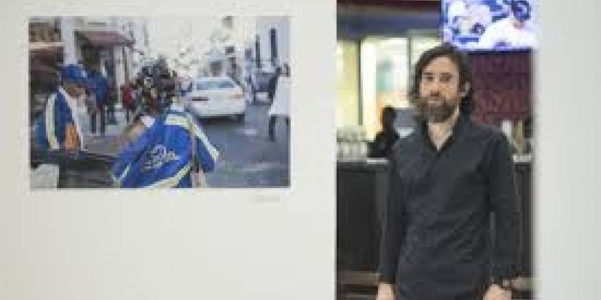Armando Larrauri con visita guiada exposición de ''De Rue''