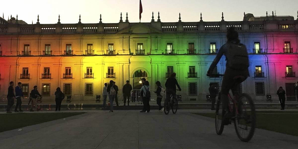 Gobierno firma acuerdo que impulsa el matrimonio igualitario, la adopción homoparental y reformas a la unión civil
