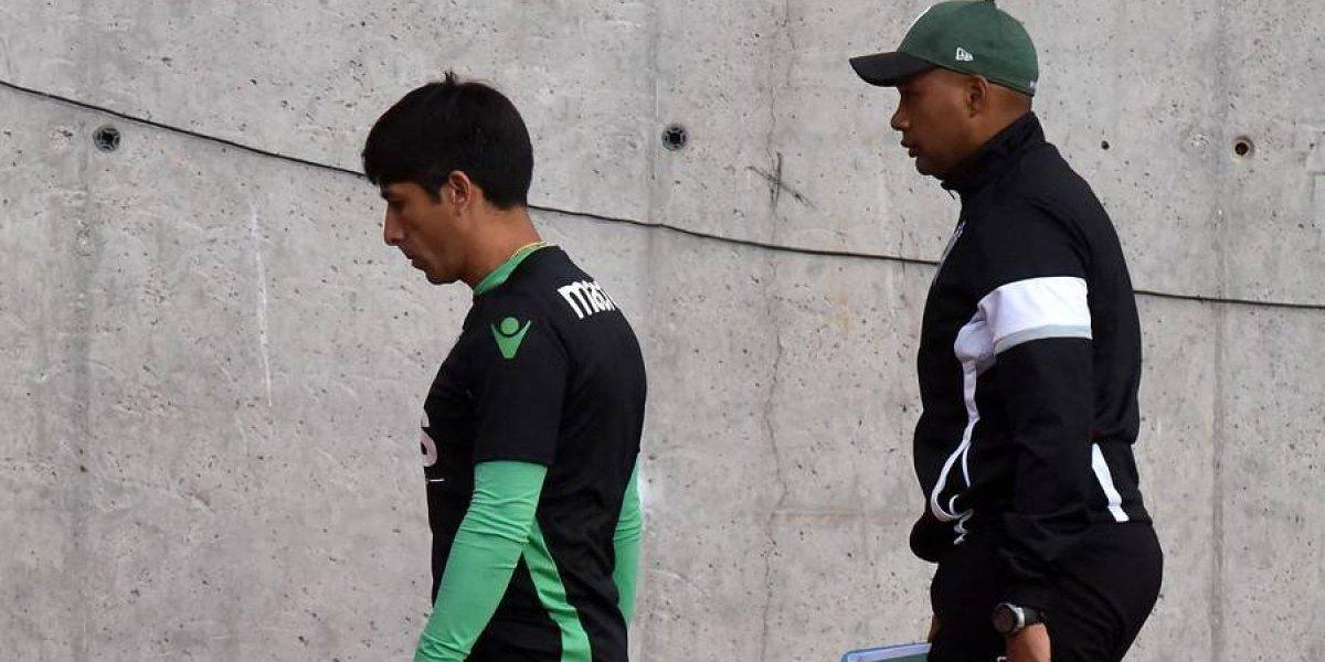 Insólito y vergonzoso: Hinchas de Wanderers se roban indumentaria del club y Moisés Villarroel la recuperó