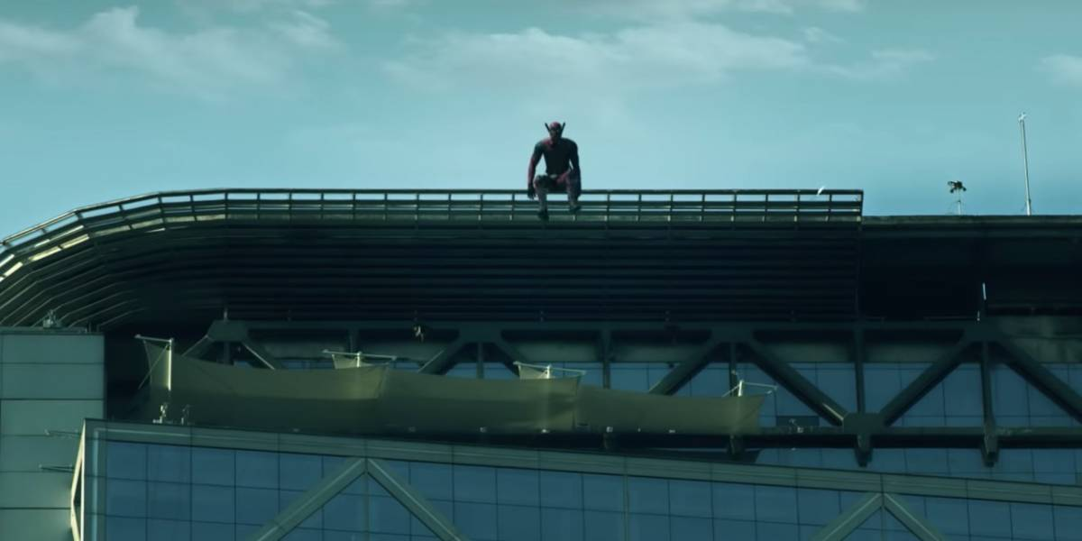 Deadpool se tira de la Torre Telefónica en nuevo viral de WOM