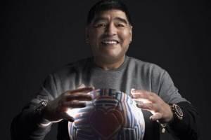 Maradona a la pantalla.