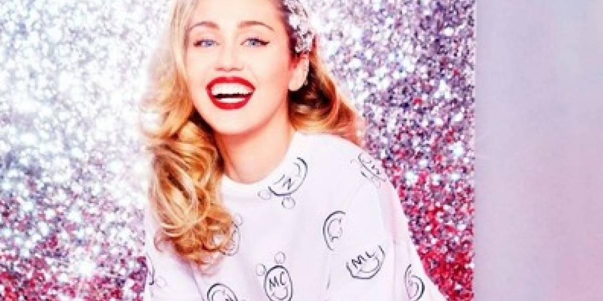 La primera foto de Miley Cyrus casada y mostrando la retaguardia