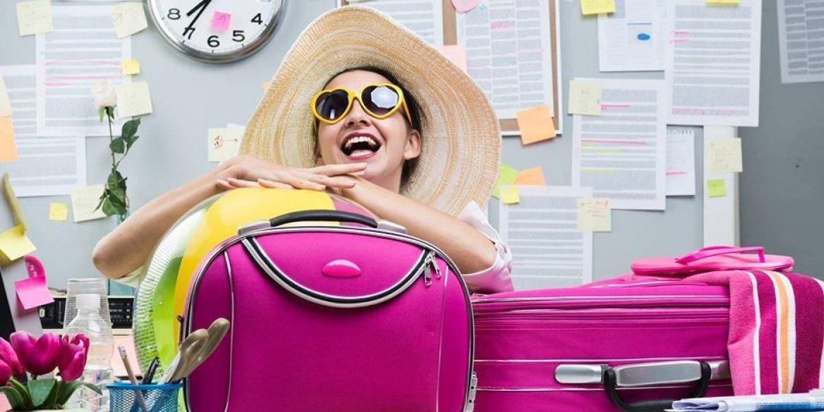 Alientan a trabajadores a celebrar sus vacaciones con estos divertidos mensajes