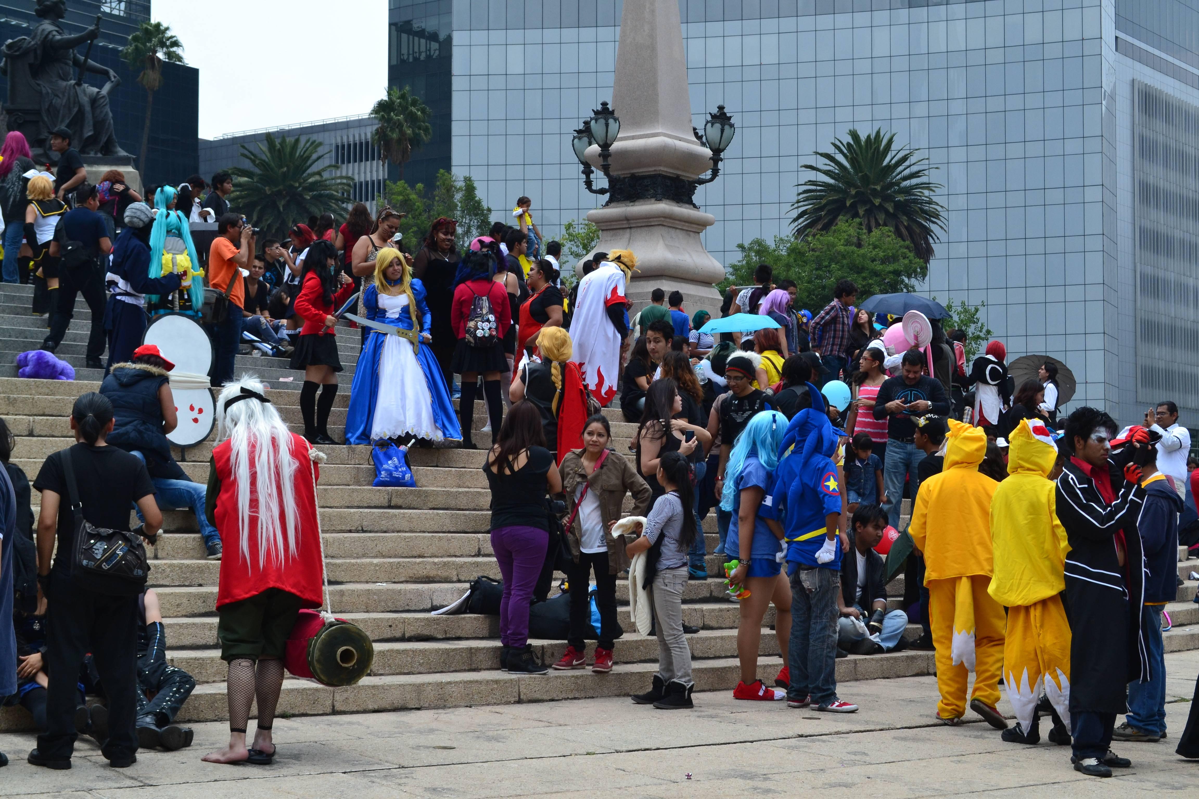 """Mexicanos organizan marcha por el Paseo de la Reforma para demostrar su orgullo """"Friki"""""""