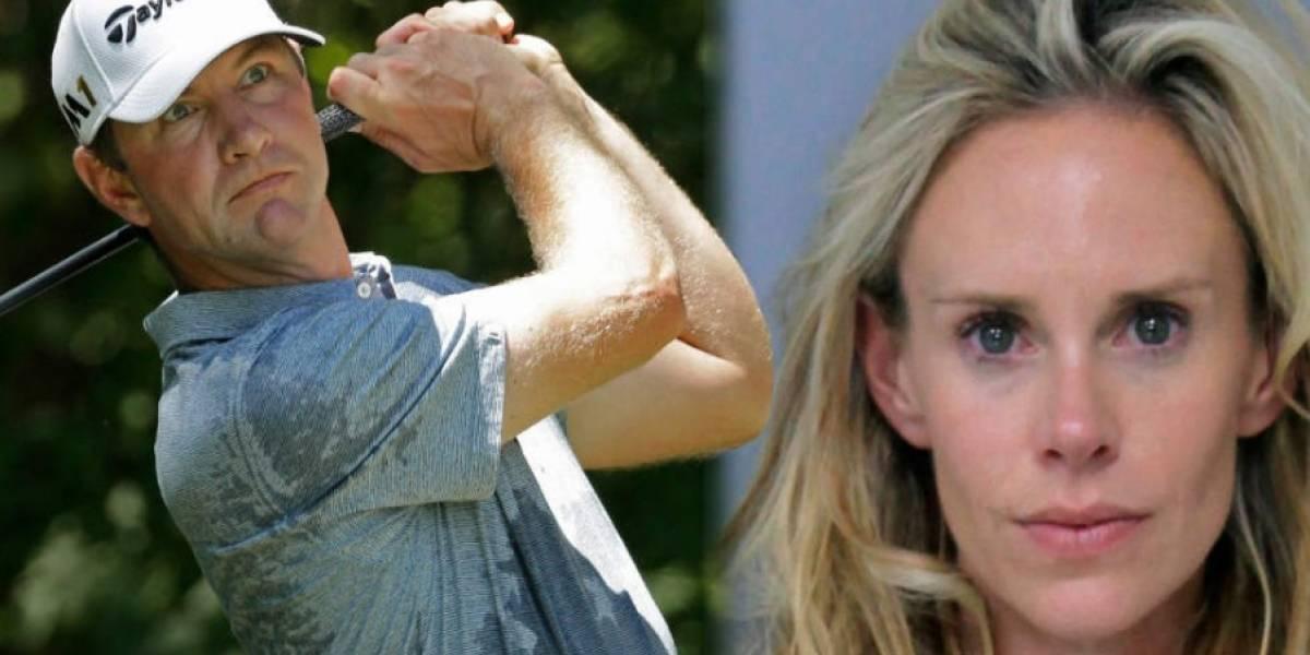 Esposa de golfista enloquece y es arrestada por golpearlo, luego de un mal torneo
