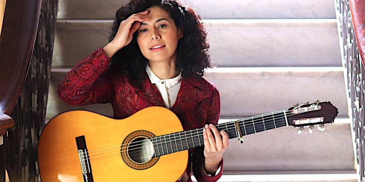 Rosalía León consolida su manera de rockear el folclor