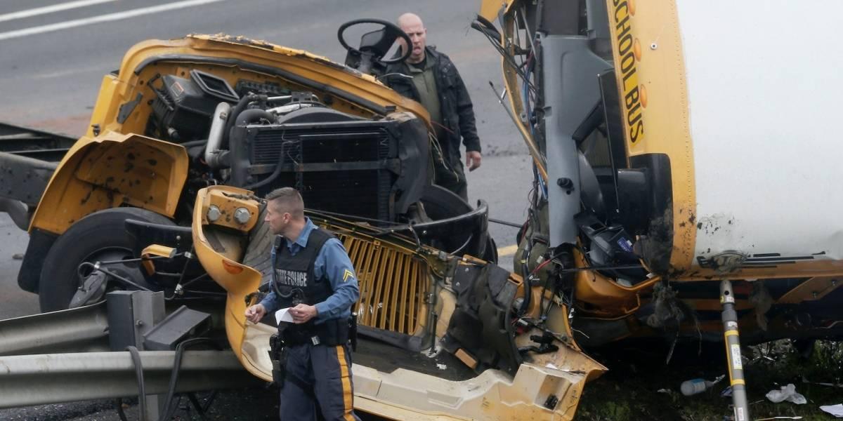Varios heridos en choque de autobús escolar con camión en Nueva Jersey