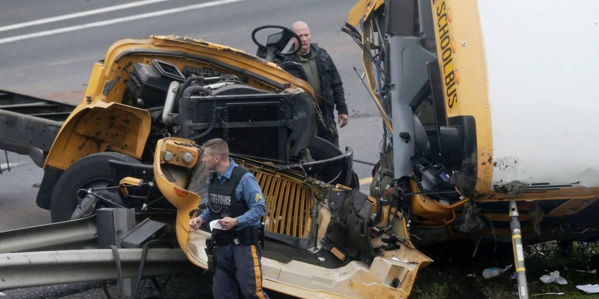 Confirman dos muertos y 40 heridos en choque de autobús escolar en Nueva Jersey