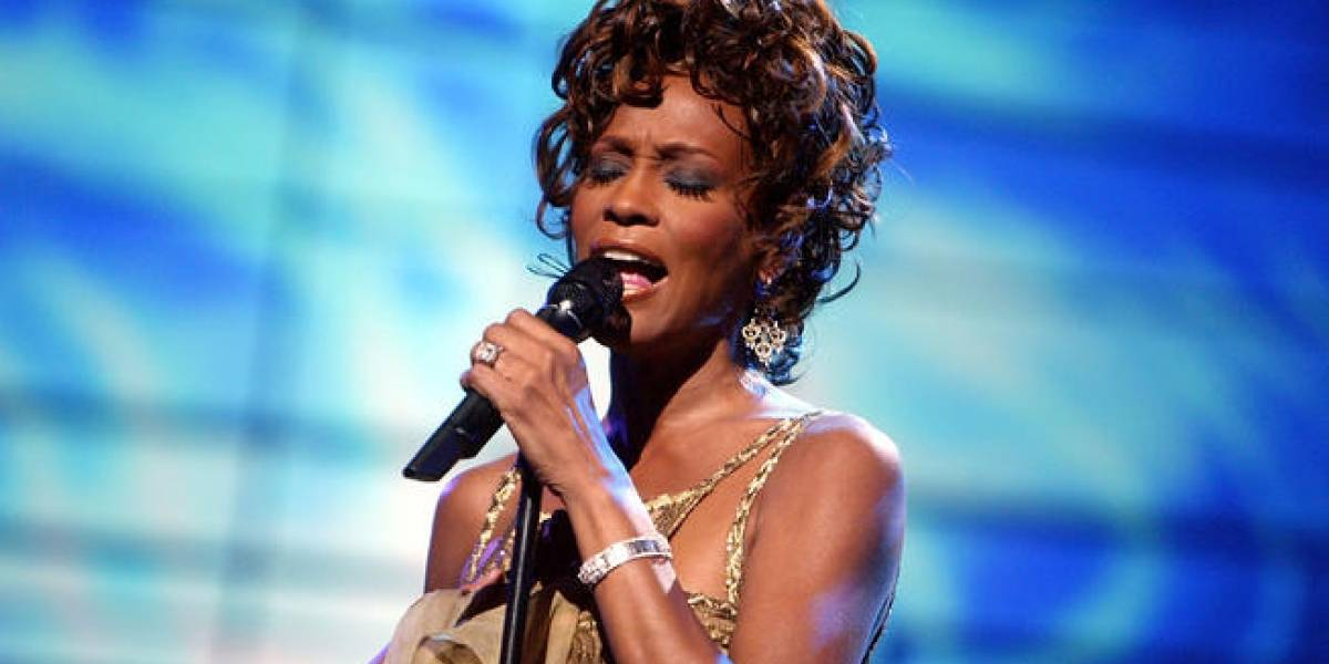 Revelan que Whitney Houston sufrió abuso sexual por una famosa cantante