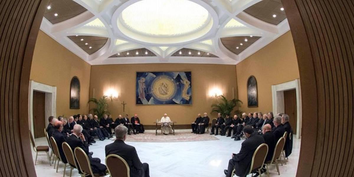 Todos los obispos chilenos presentan su renuncia al papa Francisco