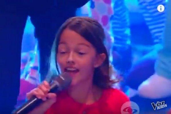 Hija de Carlos Vives cantando en La Voz Kids