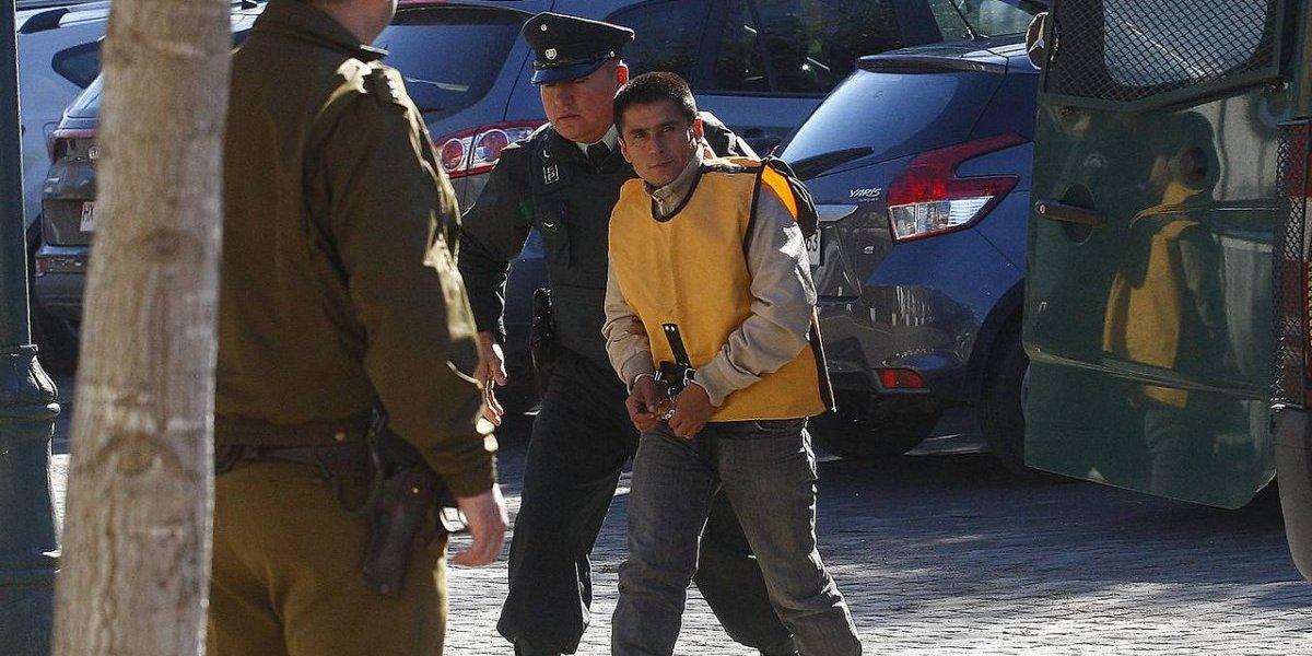 Recibió aplausos espontáneos: así llegó a su reformalización José Navarro el presunto secuestrador de Licantén