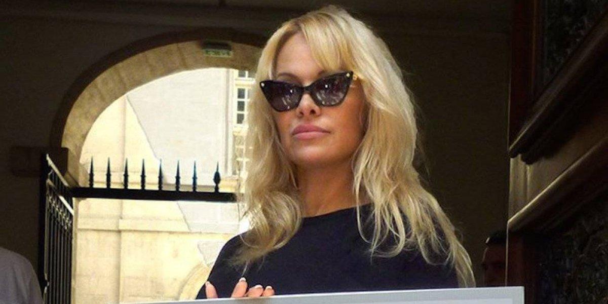 Pamela Anderson encabeza protesta contra corridas de toros