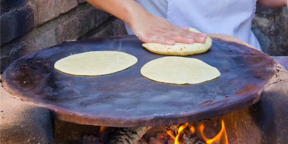 Comercio de tortilla le dice no a las bolsas plásticas y el mensaje se viraliza en Facebook