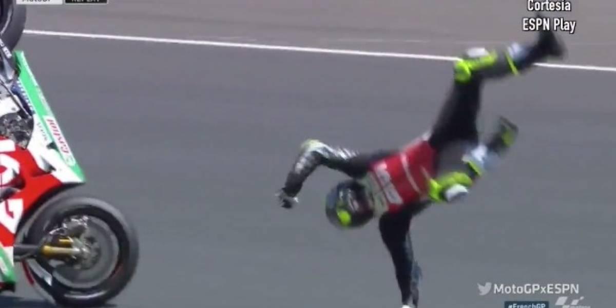 VIDEO: Tremenda caída manda a piloto de Moto GP al hospital