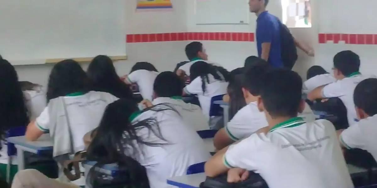 Alunos fazem vaquinha para ajudar professor com salário atrasado